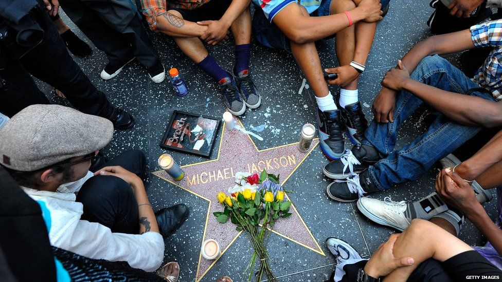 Michael Jackson fans at his Star on the Hollywood Walk of Fame