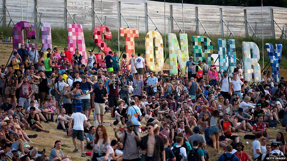 Crowds arrived at Glastonbury on Wednesday and Thursday