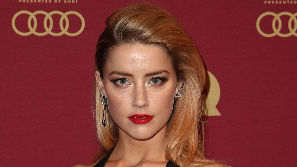 amber heard reacts to jk rowling casting johnny depp bbc newsbeat