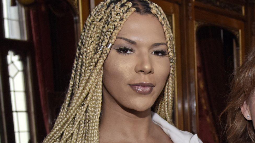 L'Oreal tenta lacrar, mas é Lacrada na Lacração: Primeira Modelo Transgênero da Empresa é Despedida por Racismo