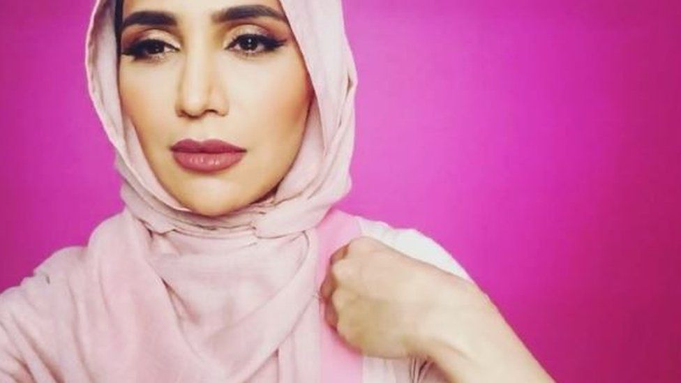 L'Oreal Hires Hijab-Wearing, Anti-Semitic Model