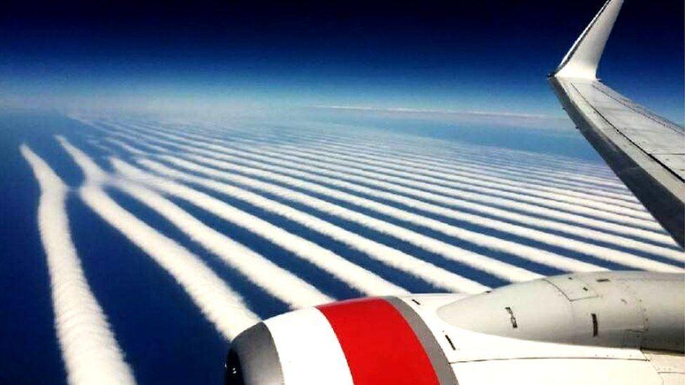 Las espectaculares -y muy inusuales- nubes fotografiadas desde un avión en el cielo de Australia