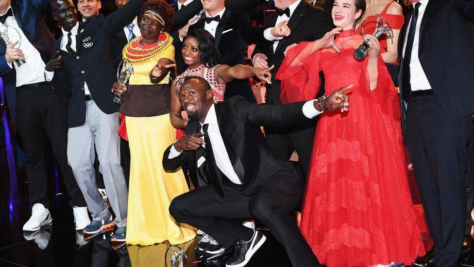 Usain Bolt posa para los fotógrafos en los premios Laureus