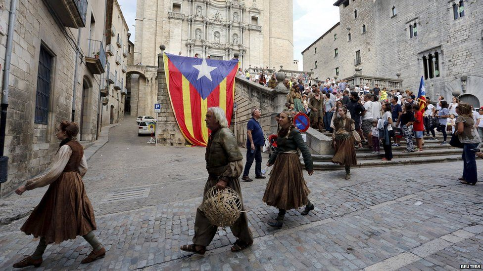 Extras at filming of season six of Game of Thrones in Spain