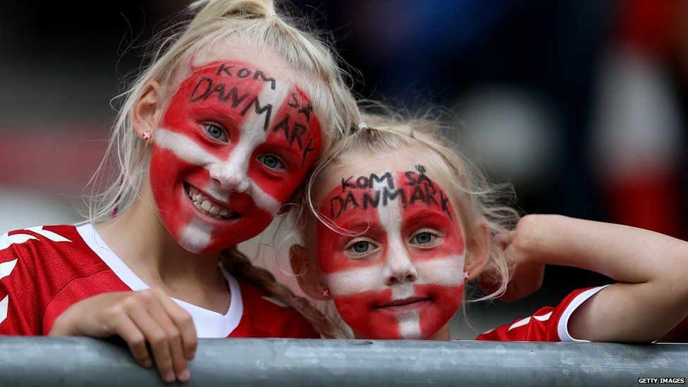 Young fans at the tournament