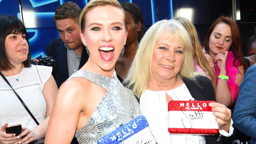 Scarlett Johansson gets drunk with her 72-year-old doppelgänger Geraldine Dodd