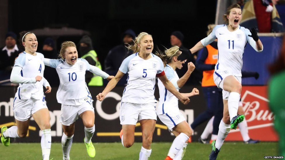 Ellen White celebrates scoring a idea for England