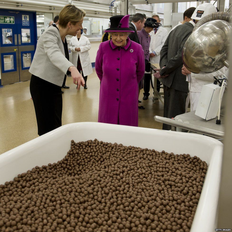 Queen with Maltesers