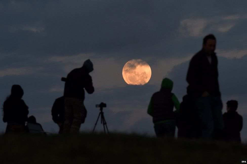 Rare supermoon sky show seen in PH