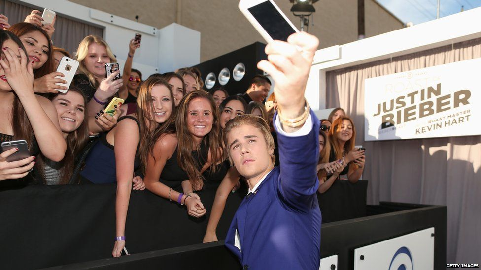 Justin and his fans.