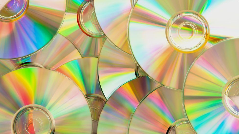 Streaming Hasn T Killed Off Cds And Vinyl Yet Says Bpi
