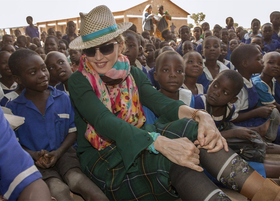 Madonna gets go-ahead to adopt twins from Malawi