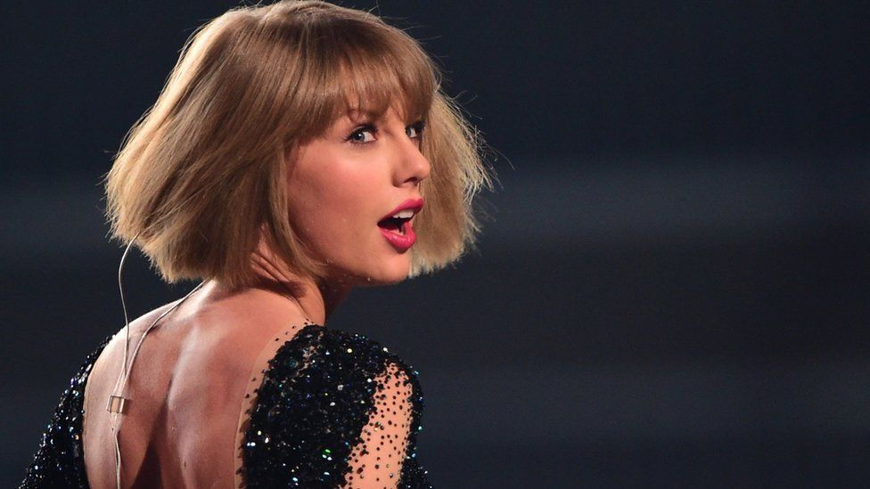 Taylor Swift makes 'very generous' donation to Mariska Hargitay charity