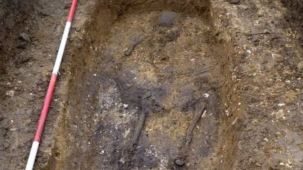 This is a photo of the grave that Tom found the artefacts in