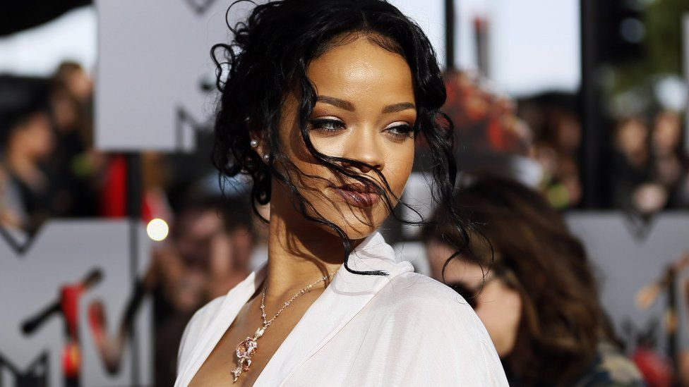 Rihanna To Receive Video Vanguard Award At The 2016 VMAs