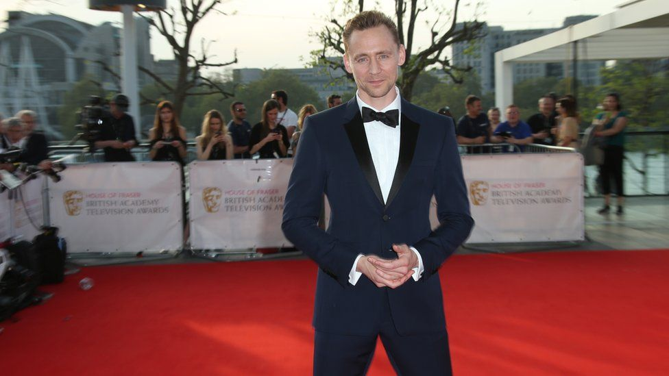 Bets suspended on Tom Hiddleston becoming the next 007  - BBC Newsbeat