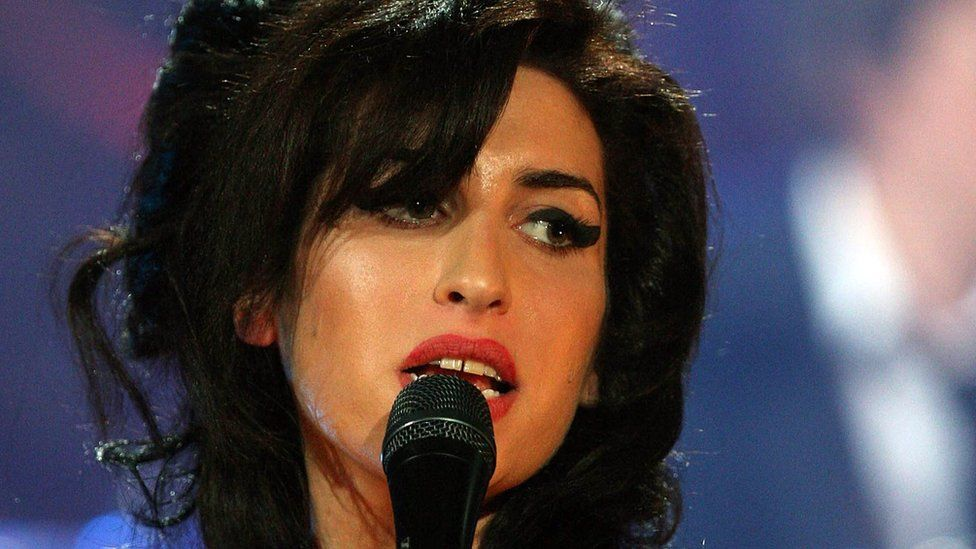 Amy Winehouse Fans Asked to Cover Songs from 'Back to Black'