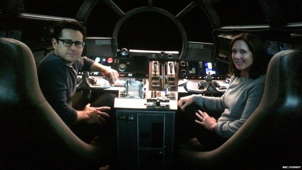 Star Destroyer Crashes on Tatooine Star Destroyer Crashing on