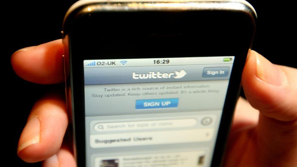 Twitter allows direct messages from anyone without need for