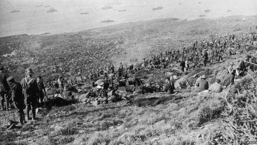 Soldiers unloading at Anzac beach