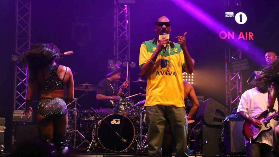 Snoop Dogg wears Norwich shirt at Radio 1's Big Weekend