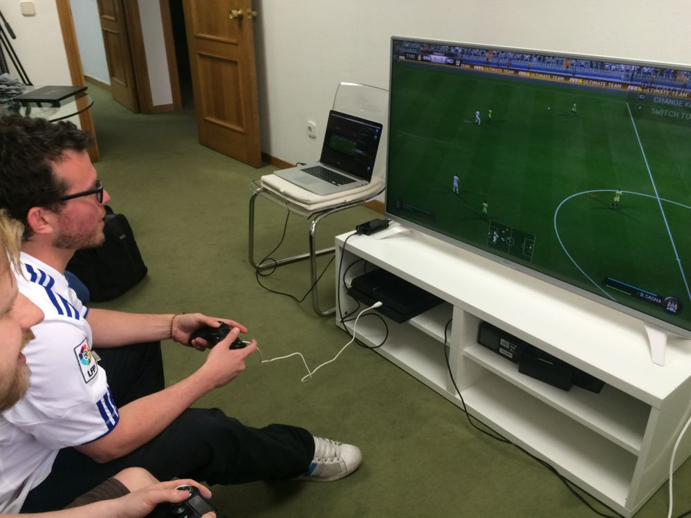 Paul and Vitali play FIFA