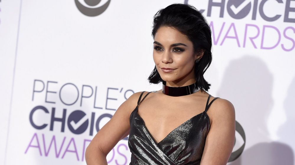 Vanessa Hudgens performs Grease: Live after dad dies