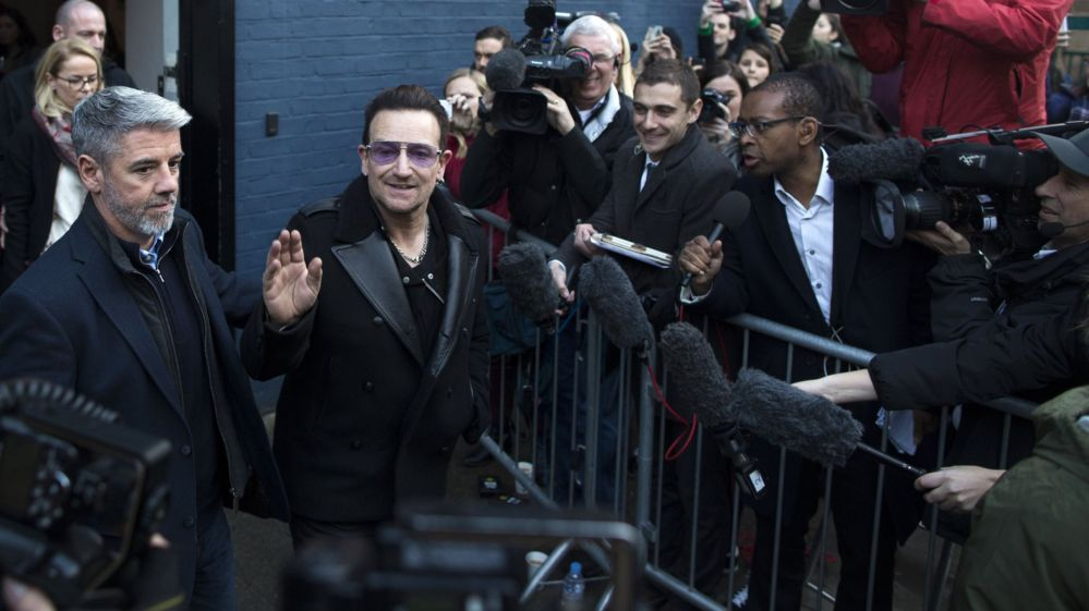 Bono arrives in Notting Hill