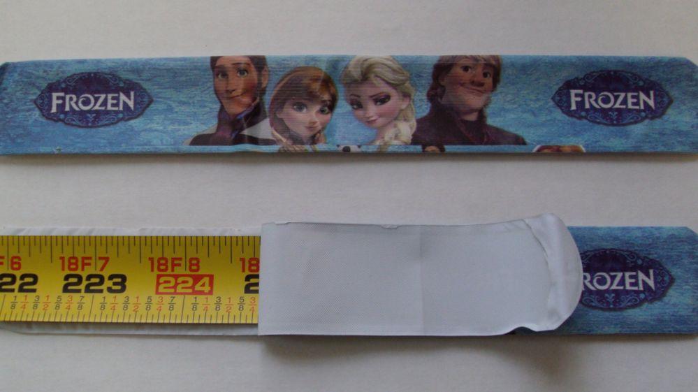 A Frozen themed slap bracelet