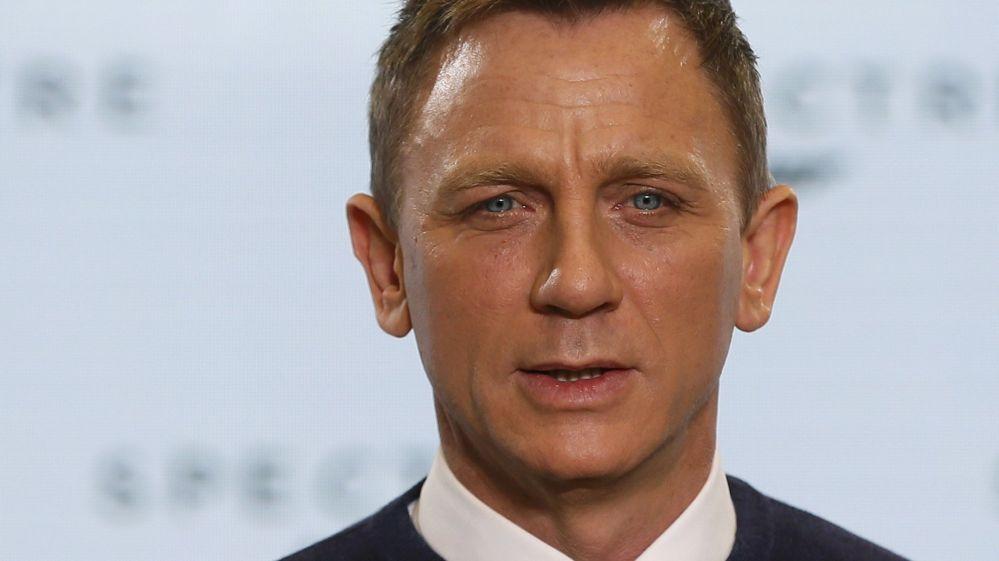 James Bond Film Script Stolen In Sony Pictures Hack Bbc Newsbeat