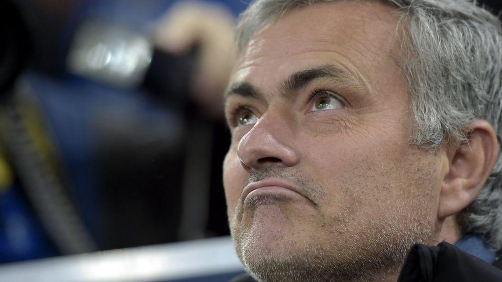 Chelsea fans top list of festive football chants - BBC Newsbeat