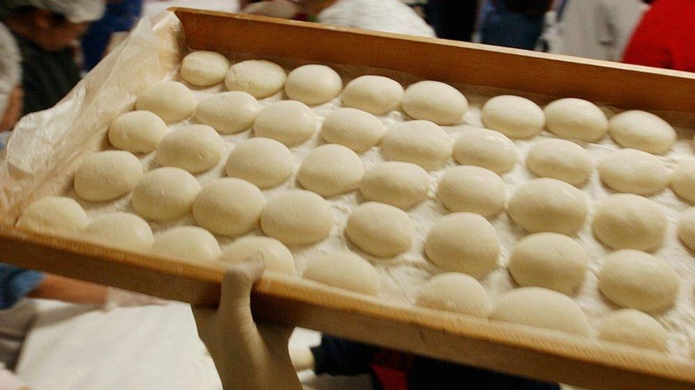 New Year \u0027mochi\u0027 rice cakes kill nine in Japan , BBC Newsbeat