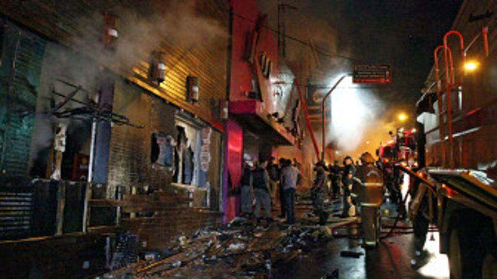 Tragédia em casa noturna assola cidade de Santa Maria - BBC Brasil