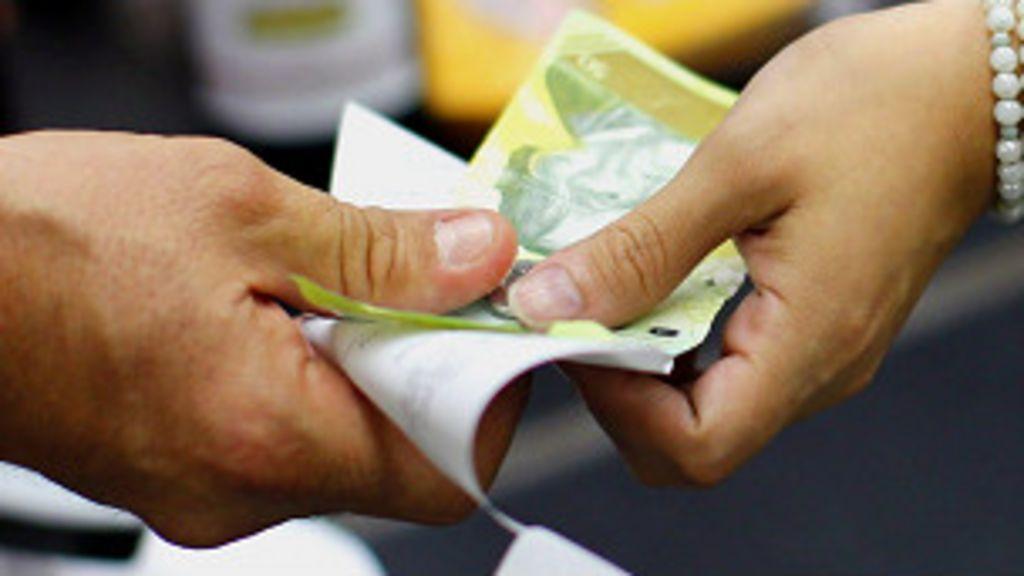 La devaluación del bolívar divide a los venezolanos - BBC Mundo