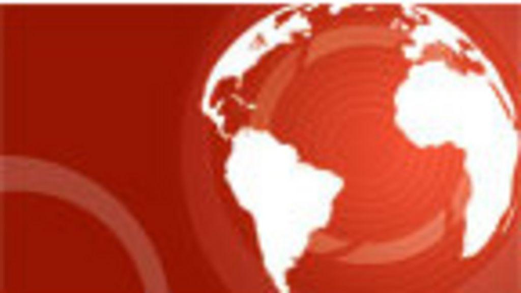 Sete pessoas morrem após micro-ônibus cair de viaduto no RJ ...