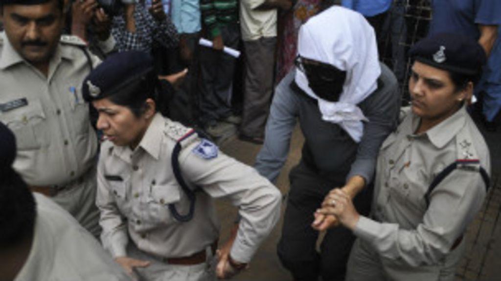 Turista suíça é vítima de estupro coletivo na Índia - BBC Brasil