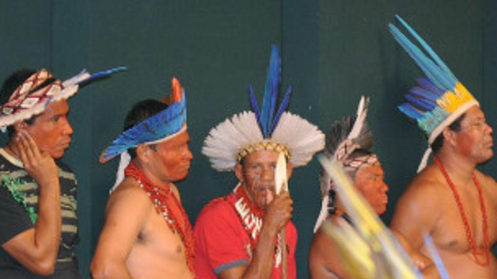 Índios deixam hotel na Bahia e anunciam ida a Brasília - BBC Brasil