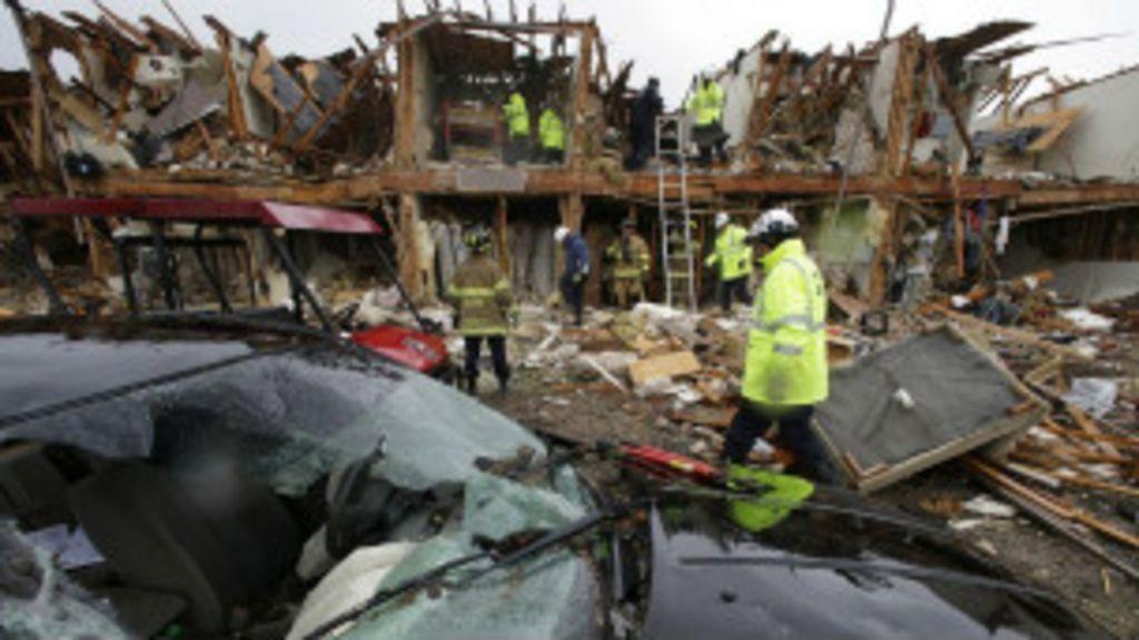 Autoridades buscam sobreviventes em fábrica que explodiu no Texas