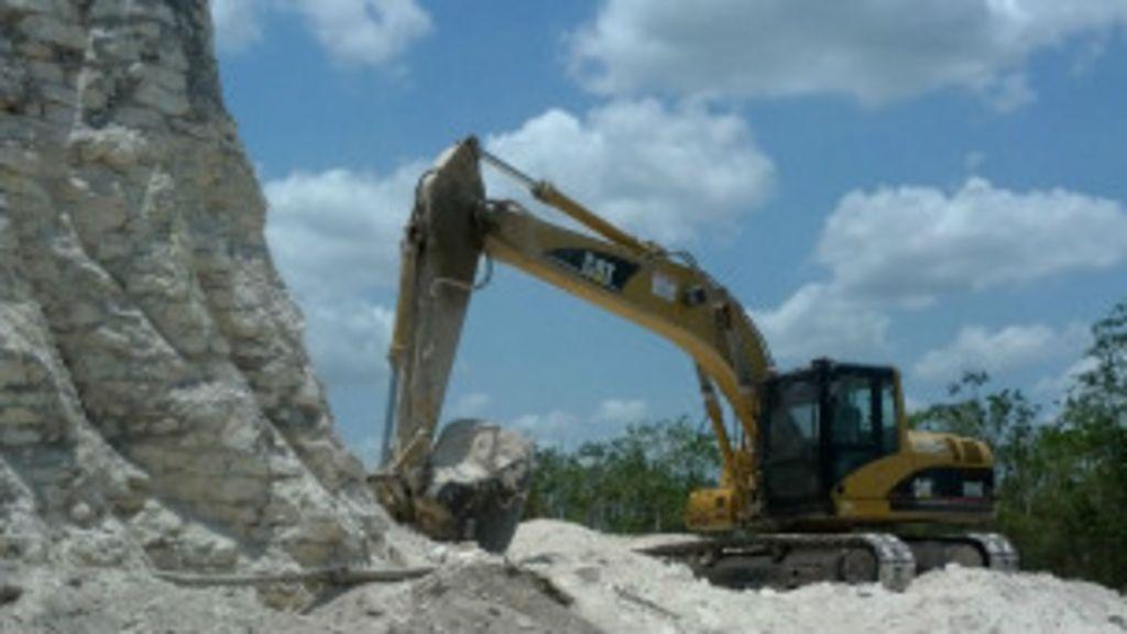 Pirâmide maia de 2.300 anos é destruída por escavadeira - BBC ...