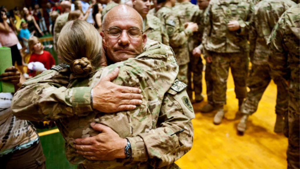 EUA buscam saídas para frear suicídios de soldados - BBC Brasil