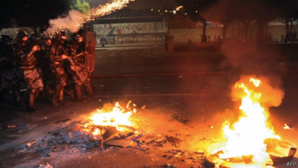 Protestos ampliam incertezas e apreensão de investidores - BBC ...