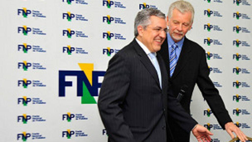 Prefeitos devem pedir a Dilma redução de impostos sobre ...