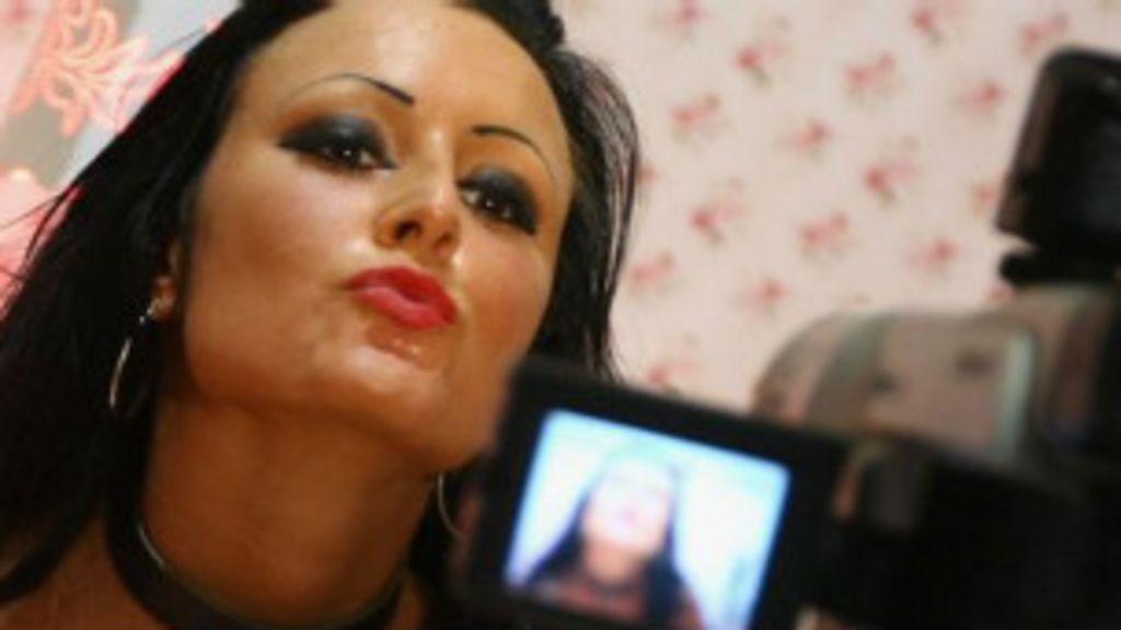 Há menos pornografia do que se pensa na internet - BBC Brasil