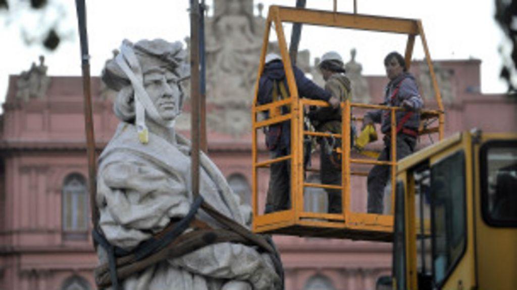Governo argentino causa polêmica ao remover estátua de Colombo ...