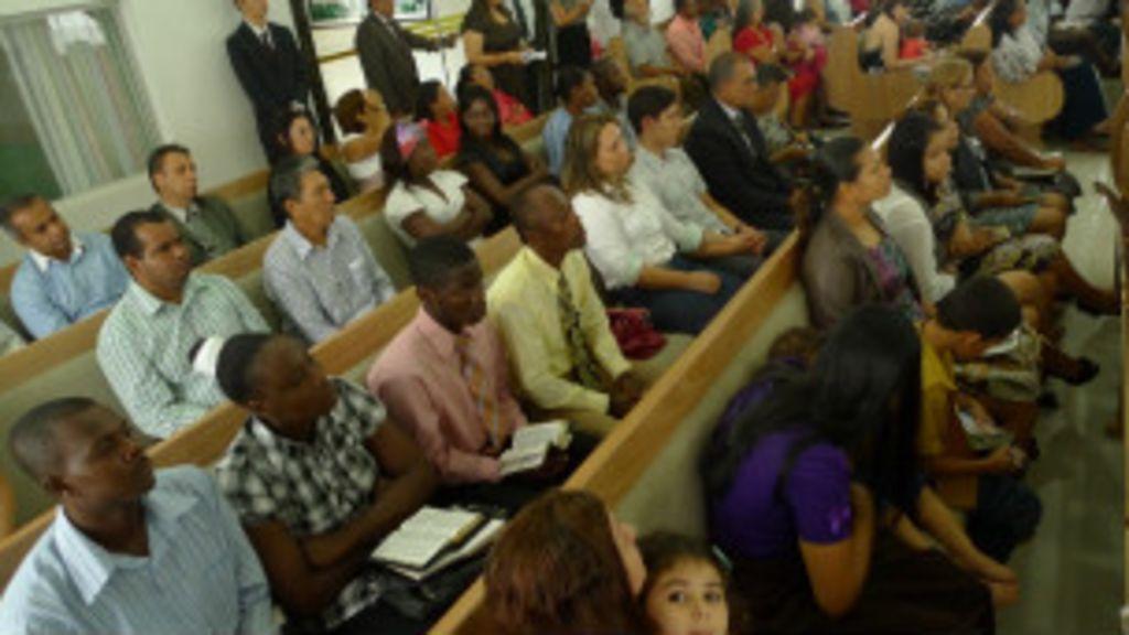 Igrejas evangélicas disputam imigrantes haitianos em Rondônia ...
