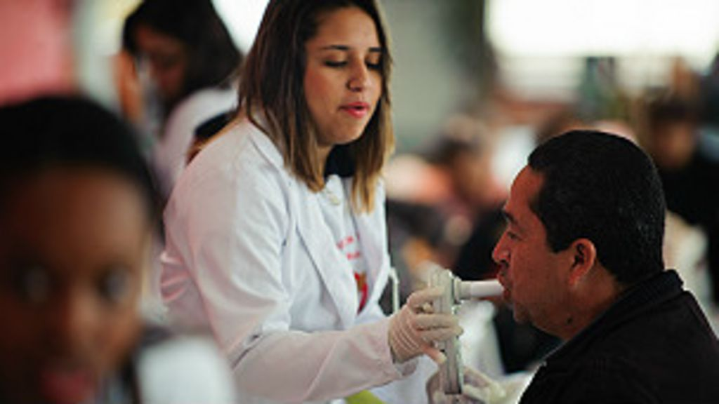Brasil deveria focar menos em médicos e mais em enfermeiras, diz ...