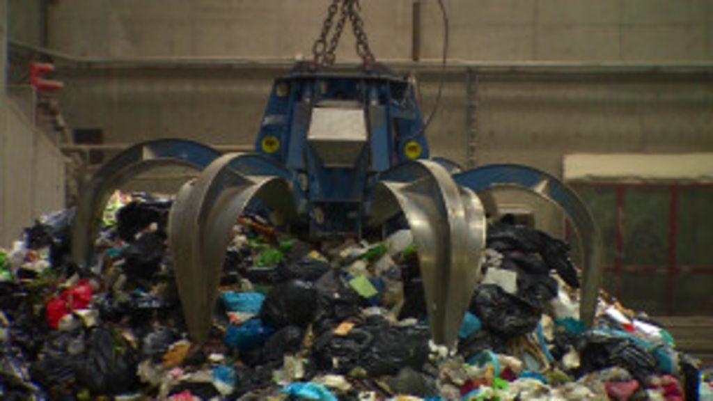 Oslo converte lixo importado em energia - BBC Brasil