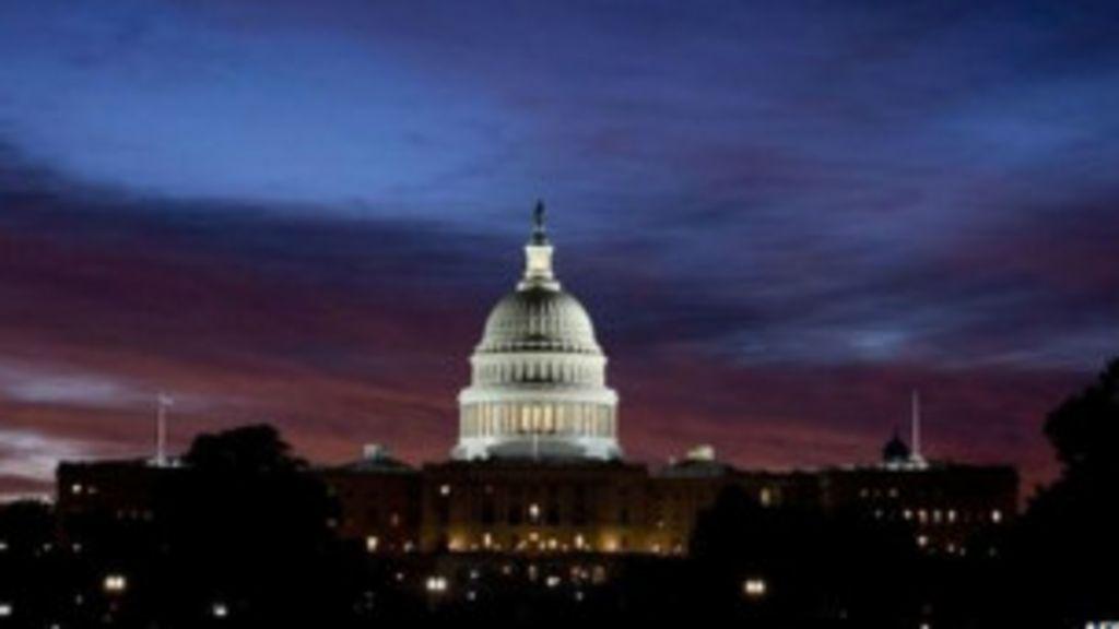 Impasse sobre orçamento bloqueia governo Obama - BBC Brasil