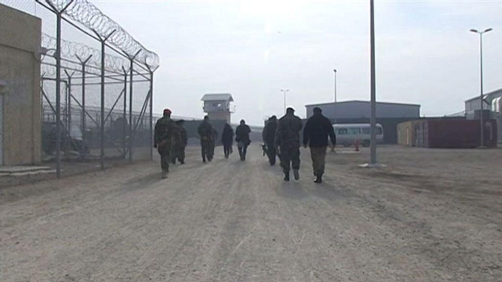 Prisão considerada 'fábrica de talebãs' é foco de tensão EUA ...