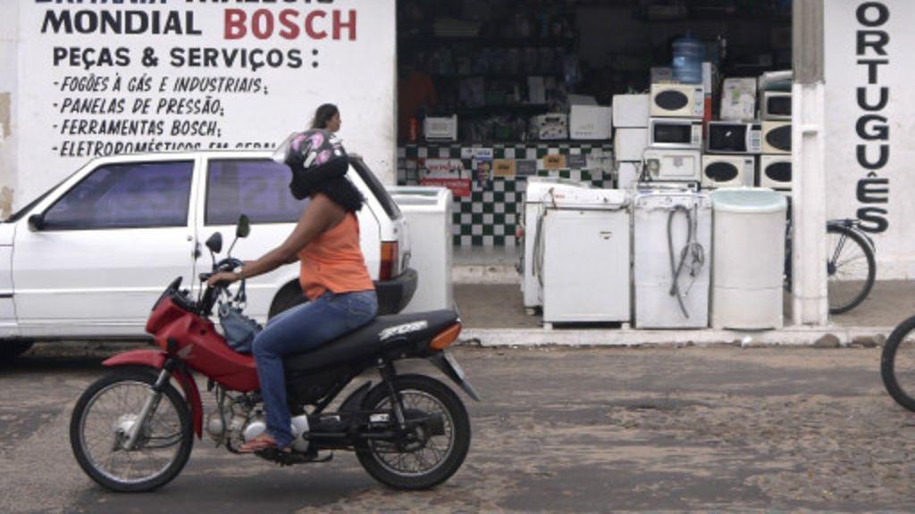 Comércio de rua ou shopping, o que você prefere? - BBC Brasil